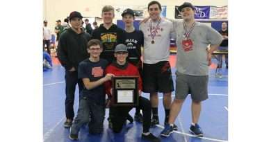 Wrestlers bring home honors