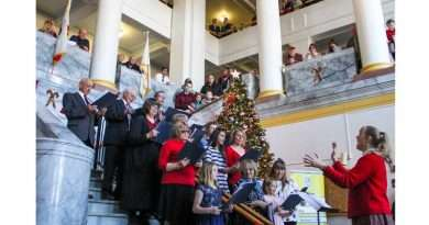 Quincy's 48th annual Community Sing rings in the holidays