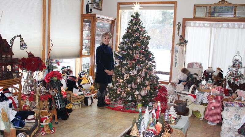 Chester Woman Collects Christmas Ornament And Decor Plumas News