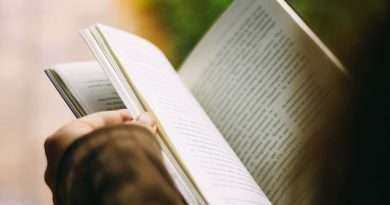 Feather River College celebrates Banned Books Week by offering banned books for checkout